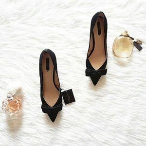 🌺 NWT/ ZARA/ Pointed Toe / Black heels W/bows